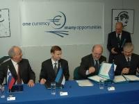 Euro teavituskampaania lepingu allkirjastamine 2005